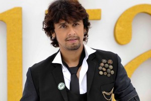 "Singer Sonu Nigam poses on the green carpet for ""IIFA Rocks"" during an International Indian Film Academy Awards event in Toronto June 24, 2011. The IIFA Awards will be held in Toronto June 25.    REUTERS/Mike Cassese (CANADA - Tags: ENTERTAINMENT) - RTR2O2H7"